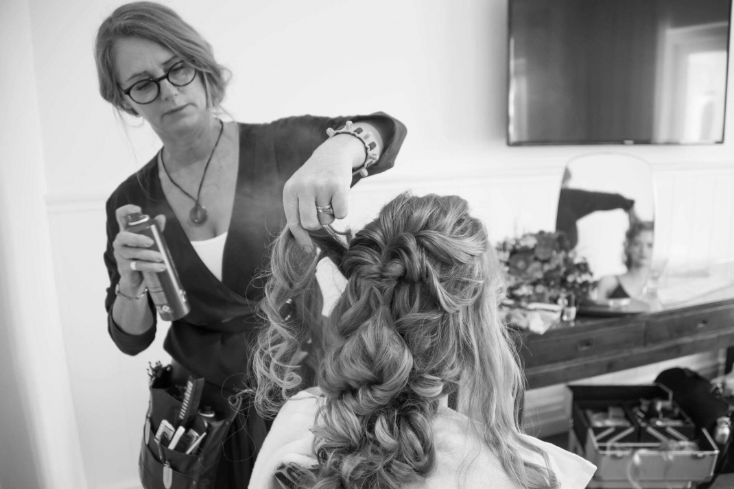 styling a bride for her wedding